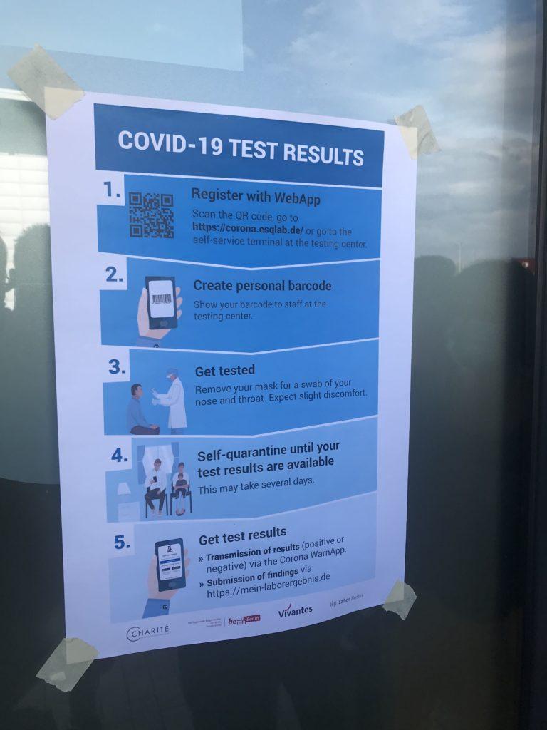 PCR検査の手順が書かれた「COVID-19 TEST RESULTS」